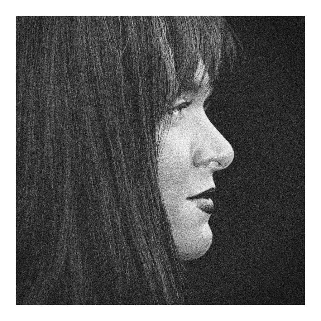 Portrait de profil d'une inconnue