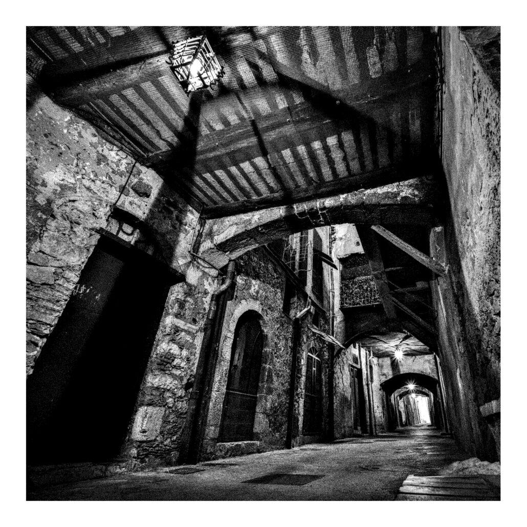 Rue Obscure à Villefranche-sur-Mer